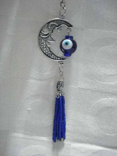 chaveiro meia lua com olho grego e miçangas