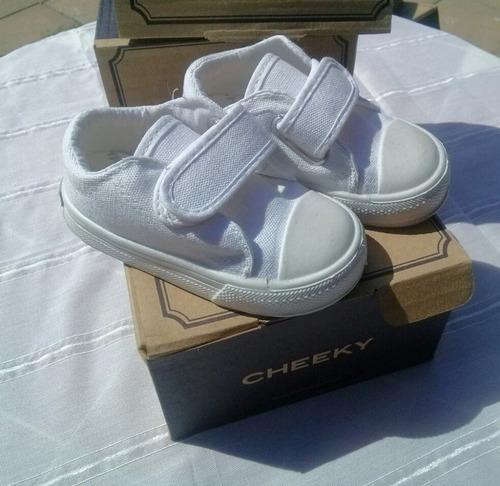 cheeky zapatillas con abrojo blanco talle 21 nuevas !!
