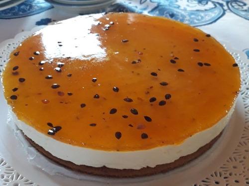 cheesecakes maracuyá y frutos rojos