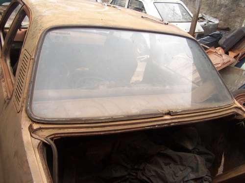 chevette antigo 74 75 76 -- vidro traseiro original ---