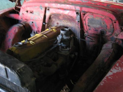 chevrolet 51 vermelho 4 portas