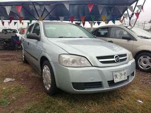 chevrolet astra 1.8 4p confort at