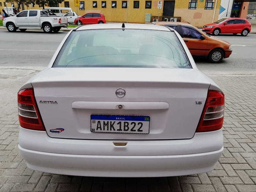 chevrolet astra sedan 1.8 mpfi  4p  2002