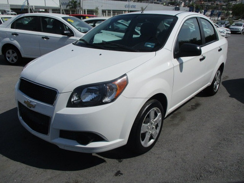 chevrolet aveo 1.6 lt at sedán