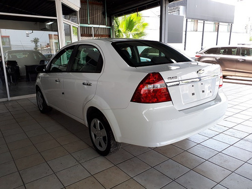 chevrolet aveo 1.6 lt mt hatchback