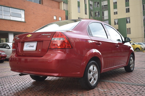 chevrolet aveo emotion 1.600 c.c  4 puertas , sedan