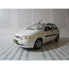 Chevrolet Aveo Escala 1/43 Coleccion 10cm Largo Metalico
