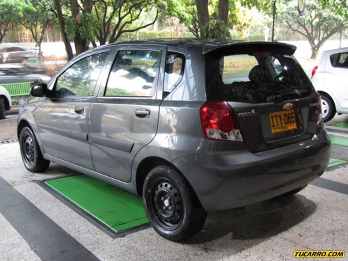 chevrolet aveo five 1600 cc mt
