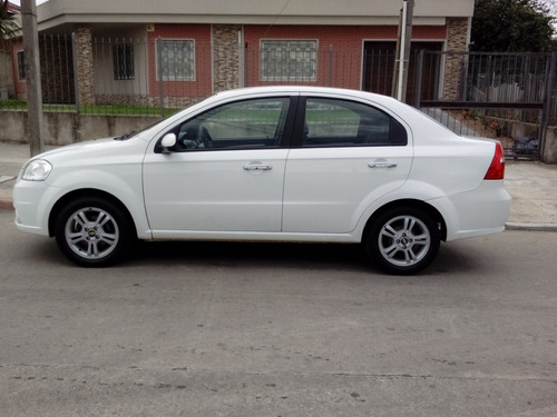 chevrolet aveo impecable estado