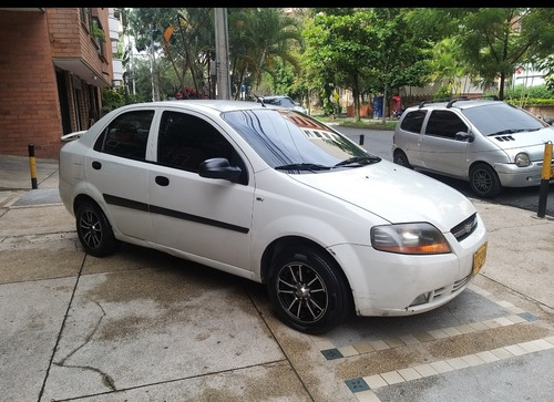 chevrolet aveo sedan 1600.. 2010.. buen estado