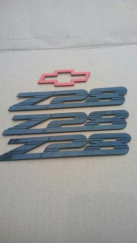 chevrolet camaro 1994-2002. set de emblemas z28