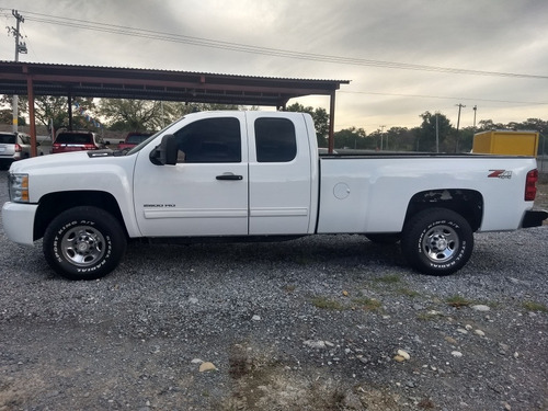 chevrolet chevy pick up 2500 hd