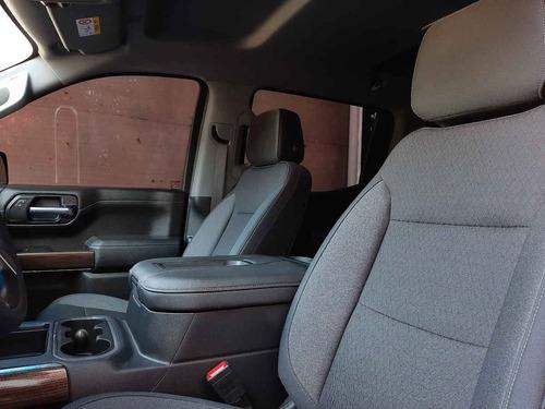 chevrolet  cheyenne  2019  4p rst doble cab v8/5.3 aut 4x4