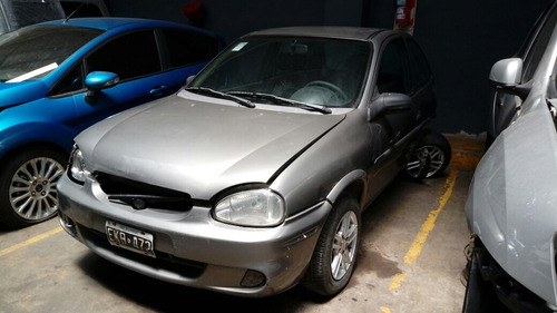 chevrolet classic base 1.7 d- 2004 - chocado - enciende