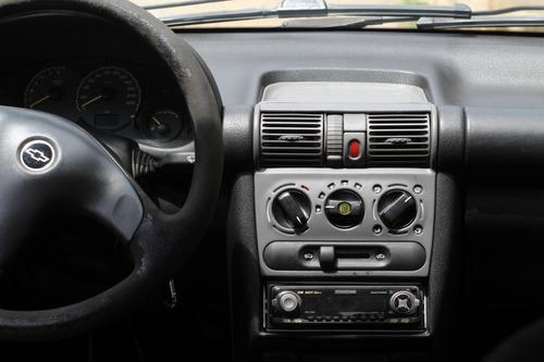 chevrolet classic corsa life sedan