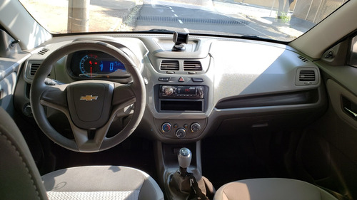 chevrolet cobalt 2013 - 1.8 cambio manual - prata