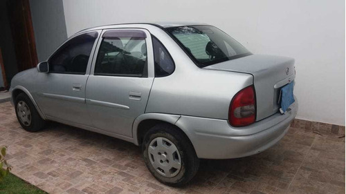 chevrolet cor corsa sedan