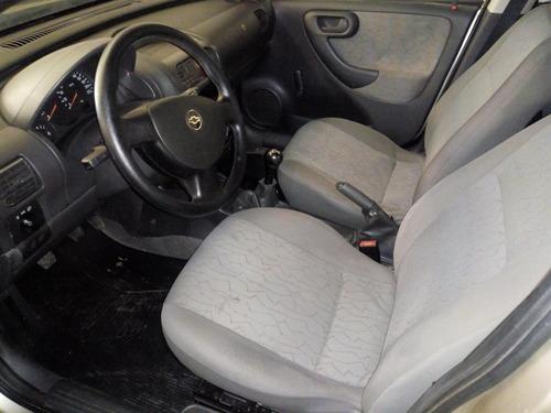 chevrolet corsa 1.0 mpfi joy sedan 8v flex 4p manual