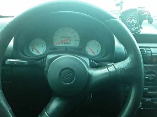 chevrolet corsa 1.0 wind milenium 5p 2002