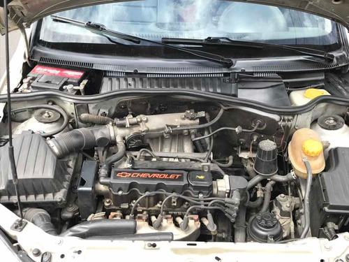 chevrolet corsa 1.4 hatchback
