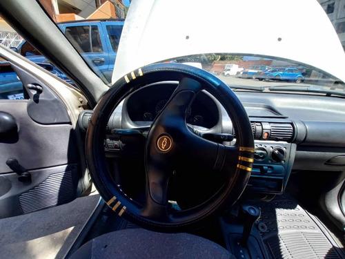 chevrolet corsa 1.6 coupe