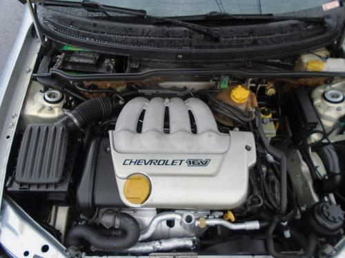 chevrolet corsa 1.6 mpfi gls sedan 16v