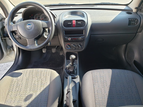 chevrolet corsa hatch  1.4 flex maxx 2010 2 dono impecável