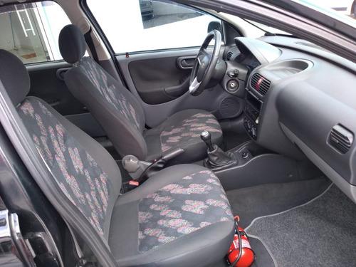 chevrolet corsa sedan 1.0 maxx 4p