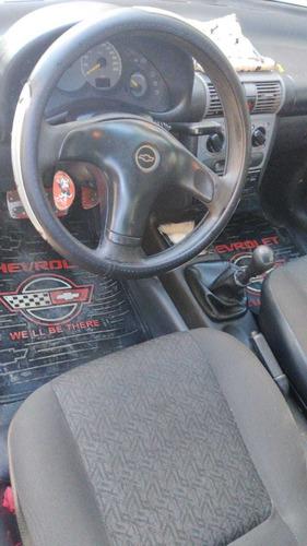 chevrolet corsa sedan 4 puertas
