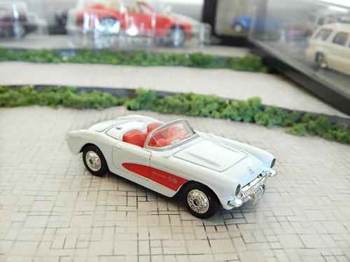 chevrolet corvette 1957 c/ case acrilica escala 1:64 welly
