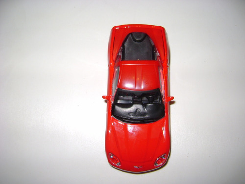 chevrolet corvette 2004 burago escala 1:43 rueda de goma