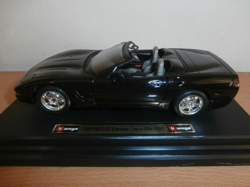 chevrolet corvette convertible 1998 burago escala: 1:24