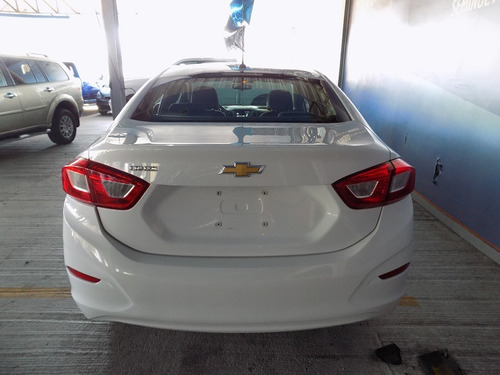 chevrolet cruze 1.4 ls at 2018