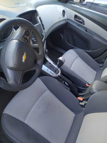 chevrolet cruze 1.8 a ls aa cd mp3 r-16 at 2010