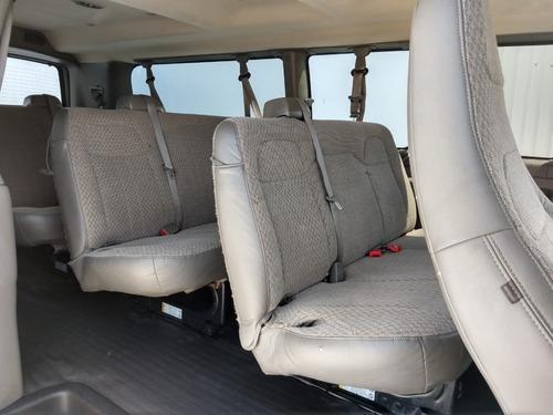 chevrolet express 12 pasajeros 2016