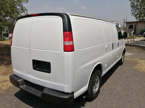 chevrolet express 6 cilindros panel.
