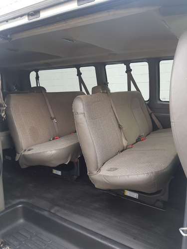 chevrolet express van 2010
