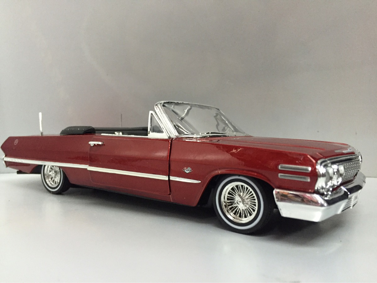 coche modelo 1:24//Welly Chevrolet Impala convertible 1963 rojo