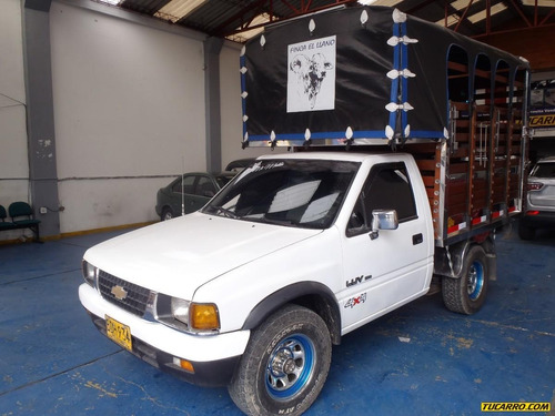 chevrolet luv 4x4 estacas