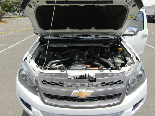 chevrolet luv d-max mt 2500cc aa ab abs 4x4 fe