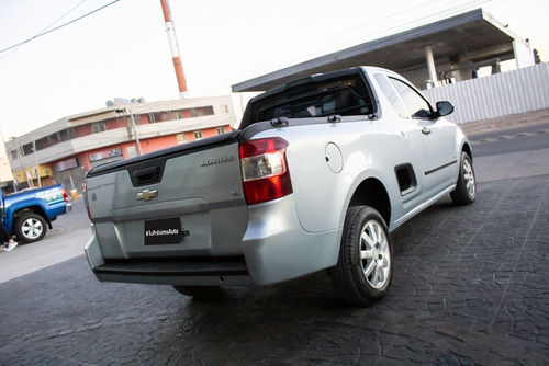 chevrolet montana ls nafta 2011 plateado