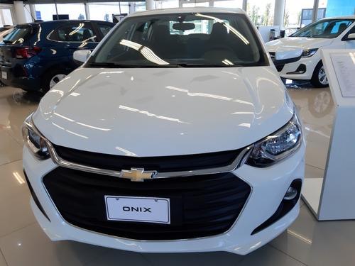 chevrolet onix plus 1.2 lt tech c/ onstar car one a*