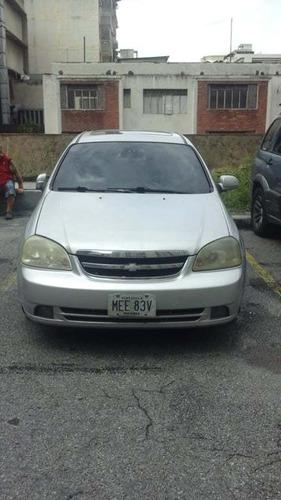 chevrolet optra año 2006 color plata tipo sedan