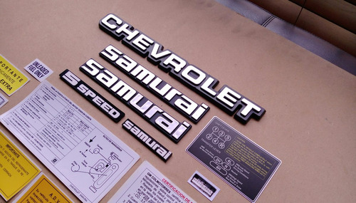 chevrolet samurai calcomanias y emblemas