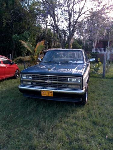 chevrolet silverado modelo 1982 / motor 3.05 lt / 2 puertas