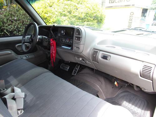 chevrolet  silverado  pick up 5.7 automática 4x2