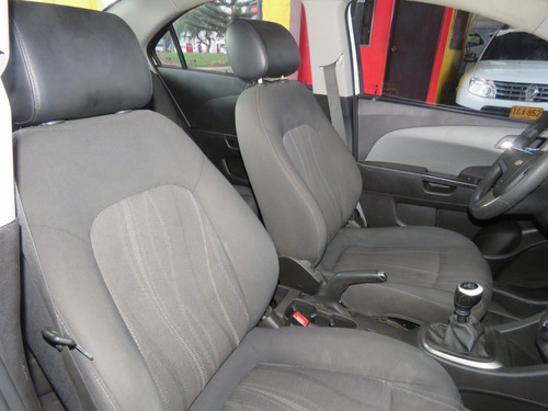 chevrolet sonic 1.6 2015 financiación