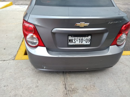 chevrolet sonic a 5vel aa mt