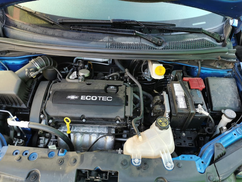 chevrolet sonic motor 1.6 color azul