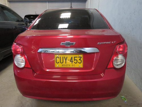 chevrolet sonic sedan lt mt2013   cuy453